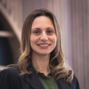 Dr. Jennifer Gantz headshot